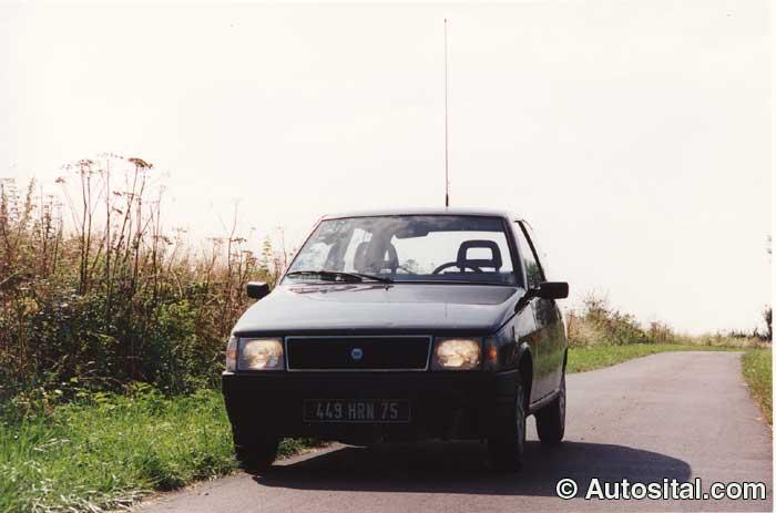 Lancia-Y10-6.jpg
