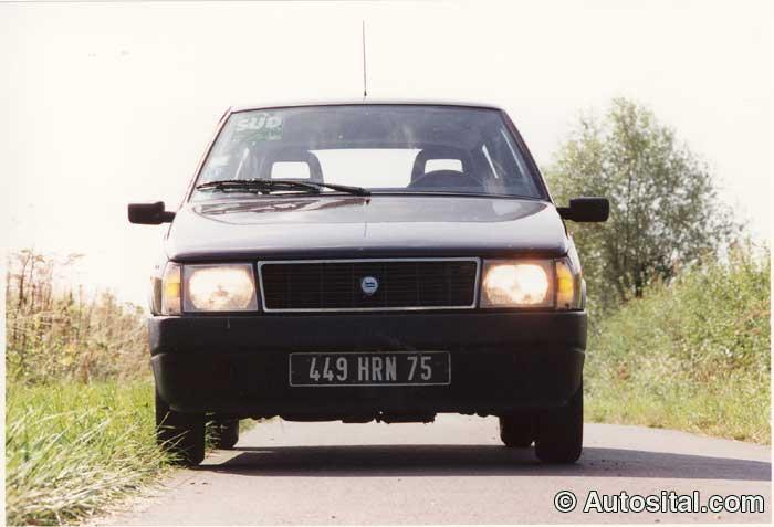 Lancia-Y10-8.jpg