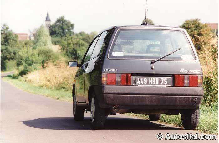 Lancia-Y10-9.jpg