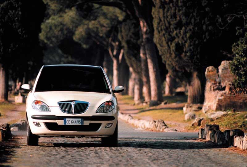 Lancia-Ypsilon-DFN-_2004_-2.jpg