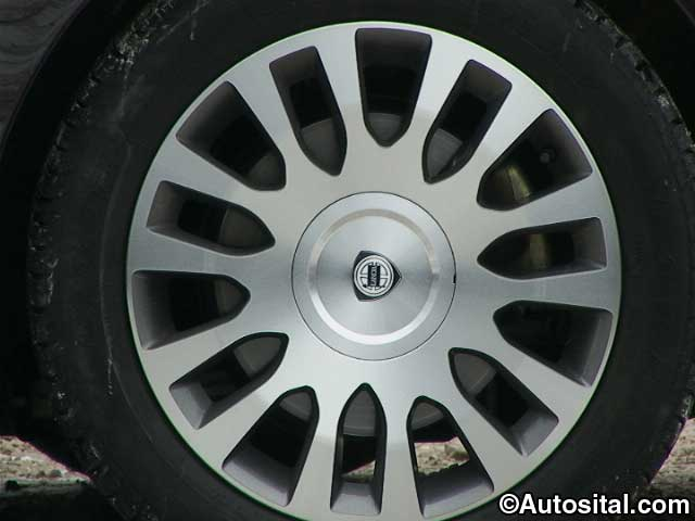 Lancia Thesis 2.4 JTD 20v Comfortronic Emblema