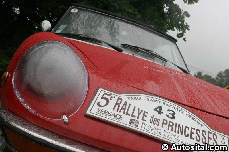 Rallye des princesses 2004, féminité, élégance et célébrités