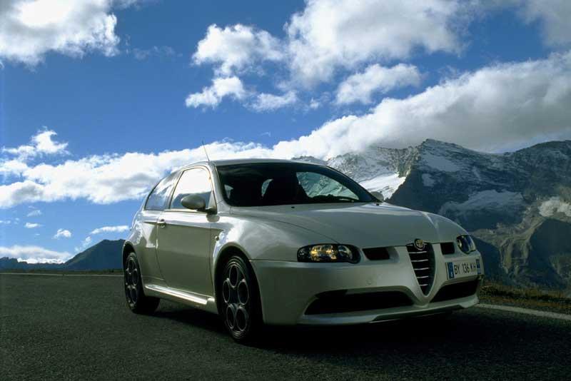 Alfa-147-GTA-_2002_.jpg