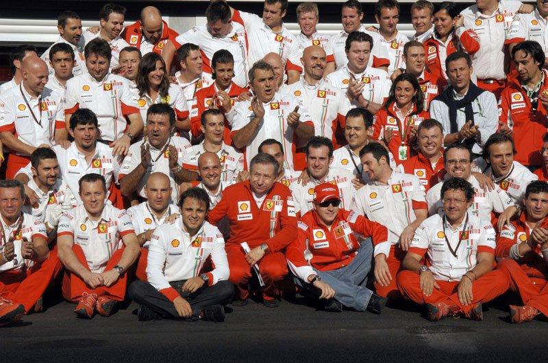 Ferrari-team-1-2.jpg