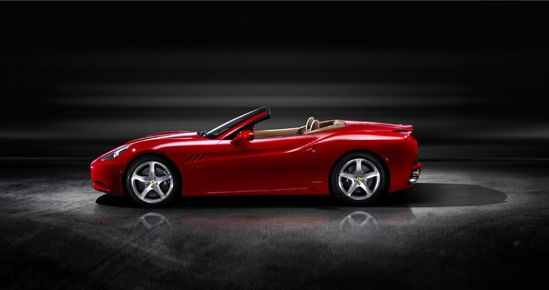Ferrari_California_02.jpg