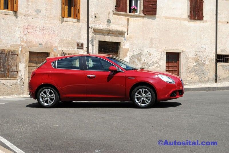 Alfa Romeo Giulietta 2.0 JTDm 170 ch Start and Stop Distinctive (2010)