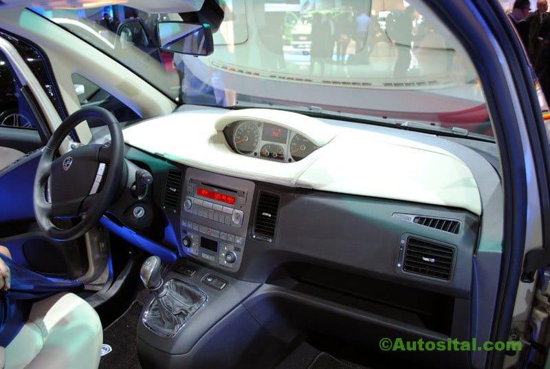 Lancia-Mondial-2010-046.jpg