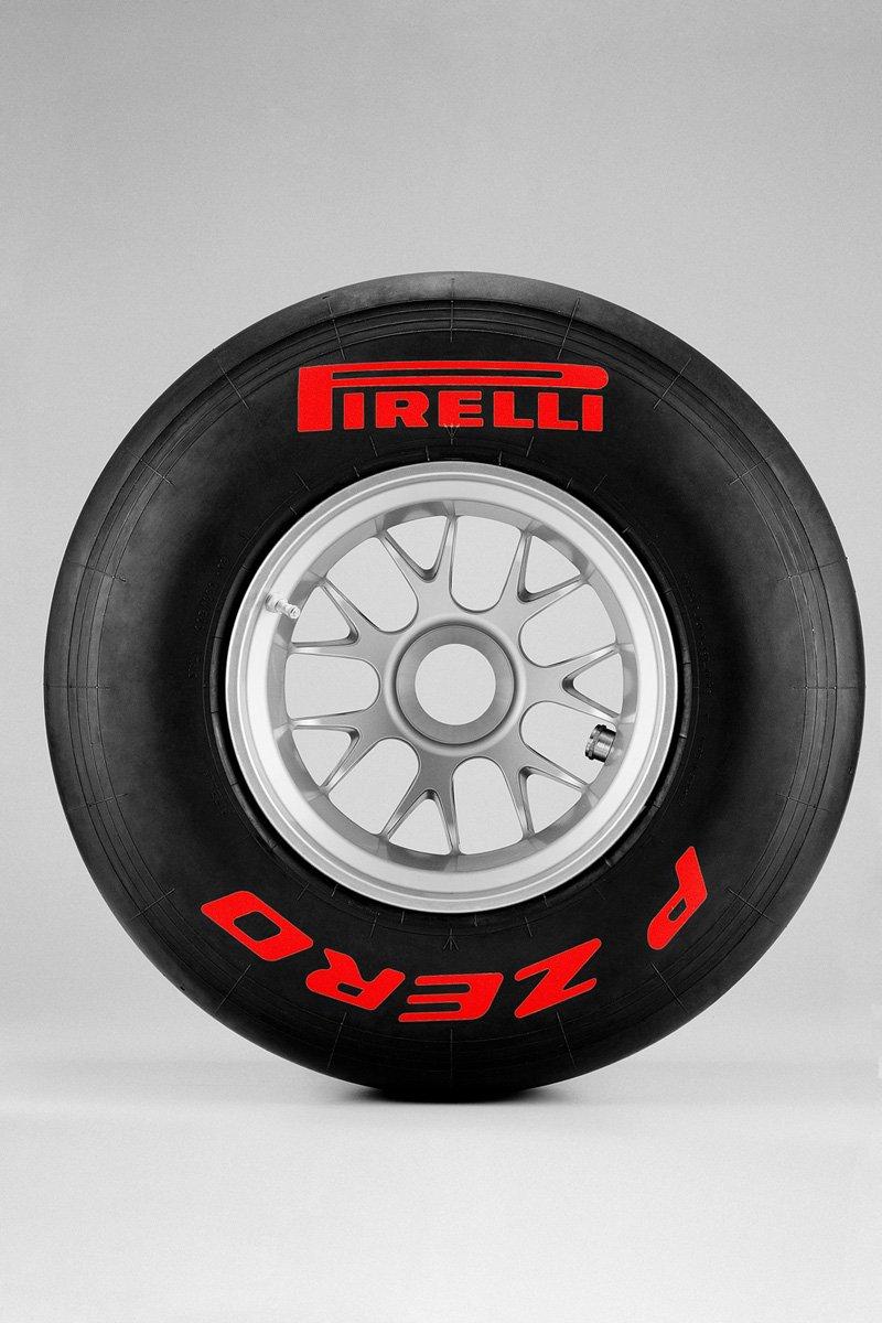 Pirelli P-Zero F1 2011 - Super tendres