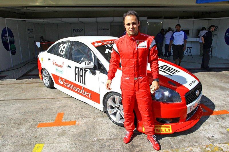 Felipe Massa au volant de la Fiat Linea du Trofeo Fiat Linea (Brésil) à Interlagos