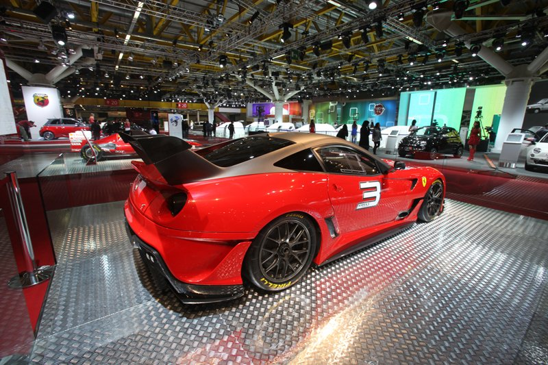 Ferrari 599XX Evo - Salon de Bologne 2011