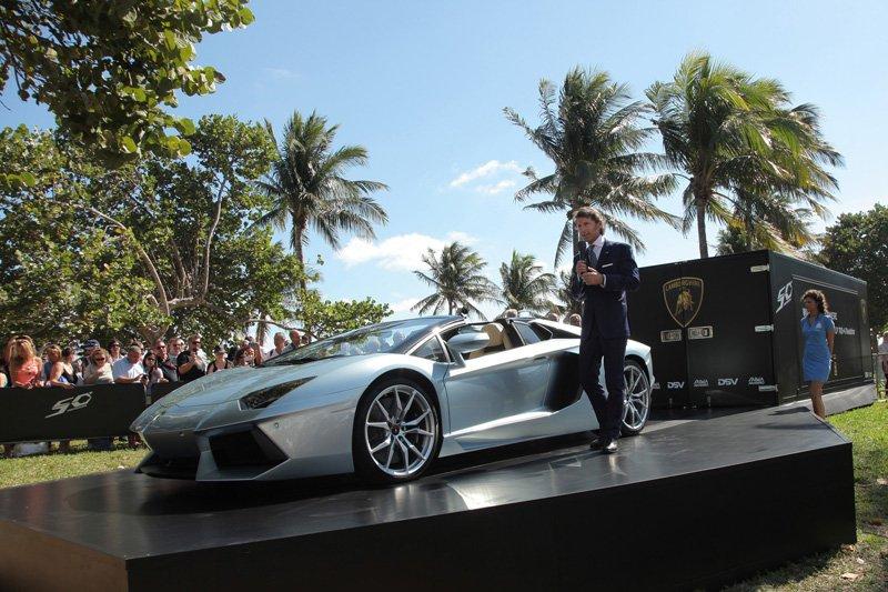 Stephan Winkellman présente l'Aventador LP 700-4 Roadster à Miami