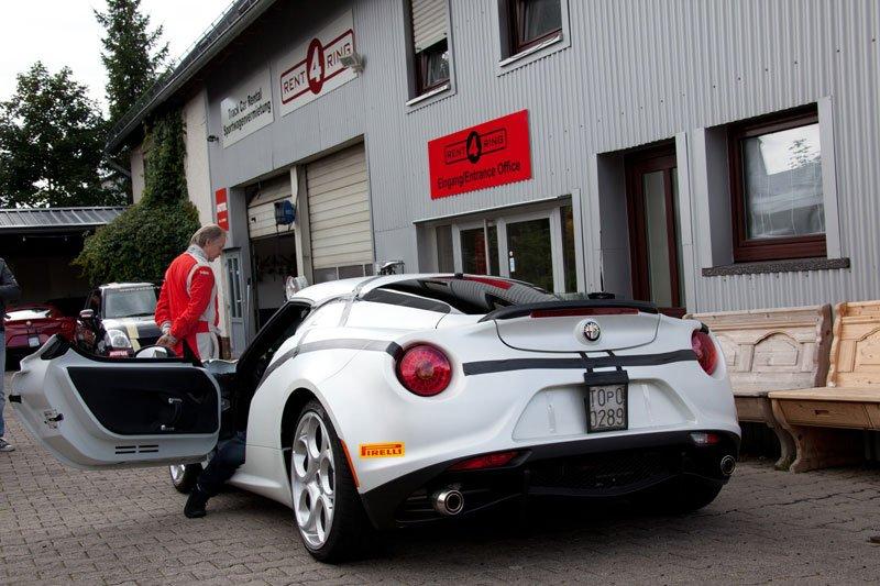 alfa_romeo_4c_nuerburgring_36.jpg