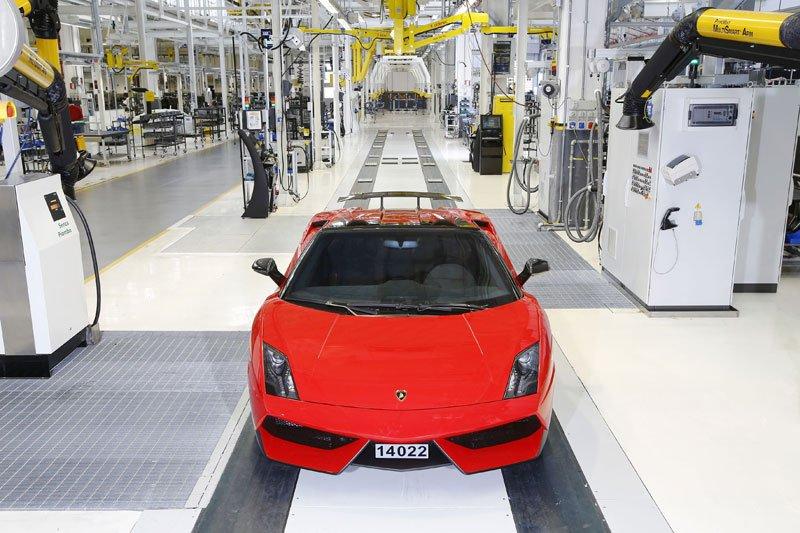 Sortie des chaines de production de la dernière Lamborghini Gallardo