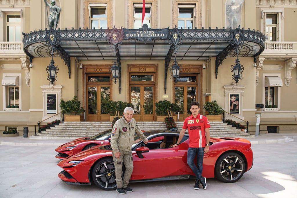 """Ferrari donne rendez-vous à Claude Lelouch à Monaco - Tournage """"Le grand rendez-vous"""" - 2020"""